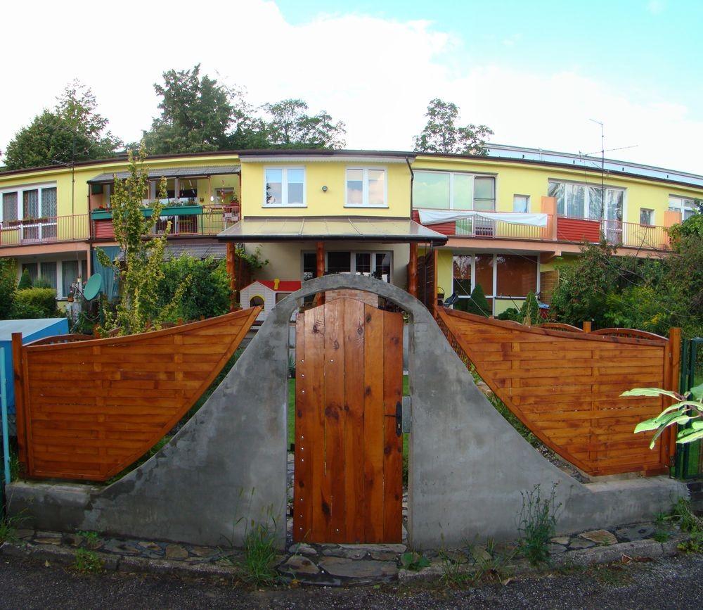 Portfolio » Vineyard in a Front of Terraced House   Czestochowa ...